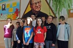 3 Uczniowie z patronem projekt poezja